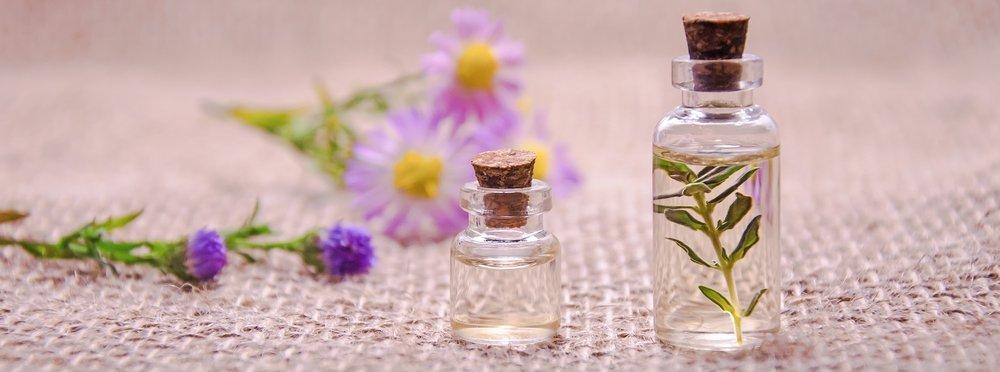 essential-oils-3084952_1920.jpg