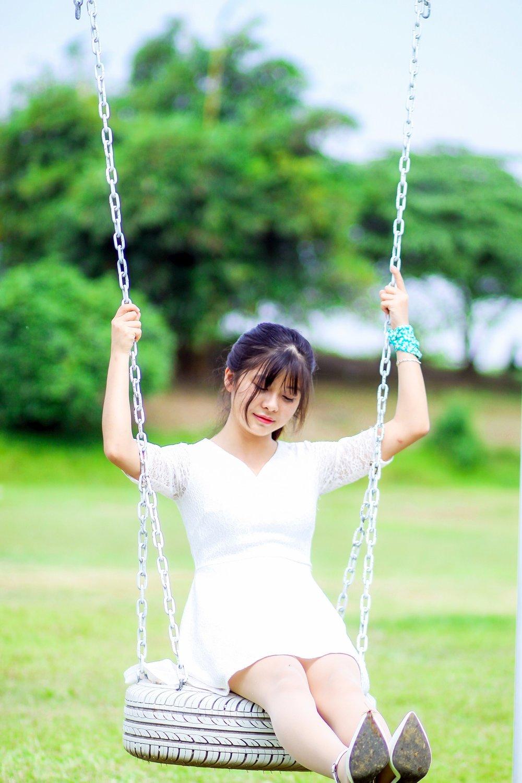 girl-3287775_1920.jpg