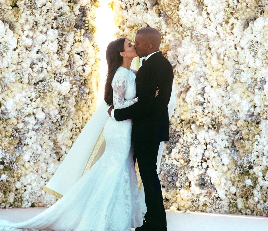 rs_1024x759-140526212629-1024-4kim-kardashian-kanye-west-wedding.ls.52614.jpg