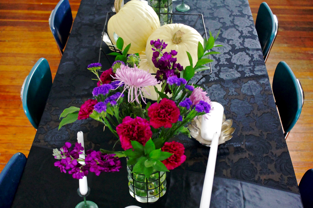 FallGothicTableSettingFlowers4