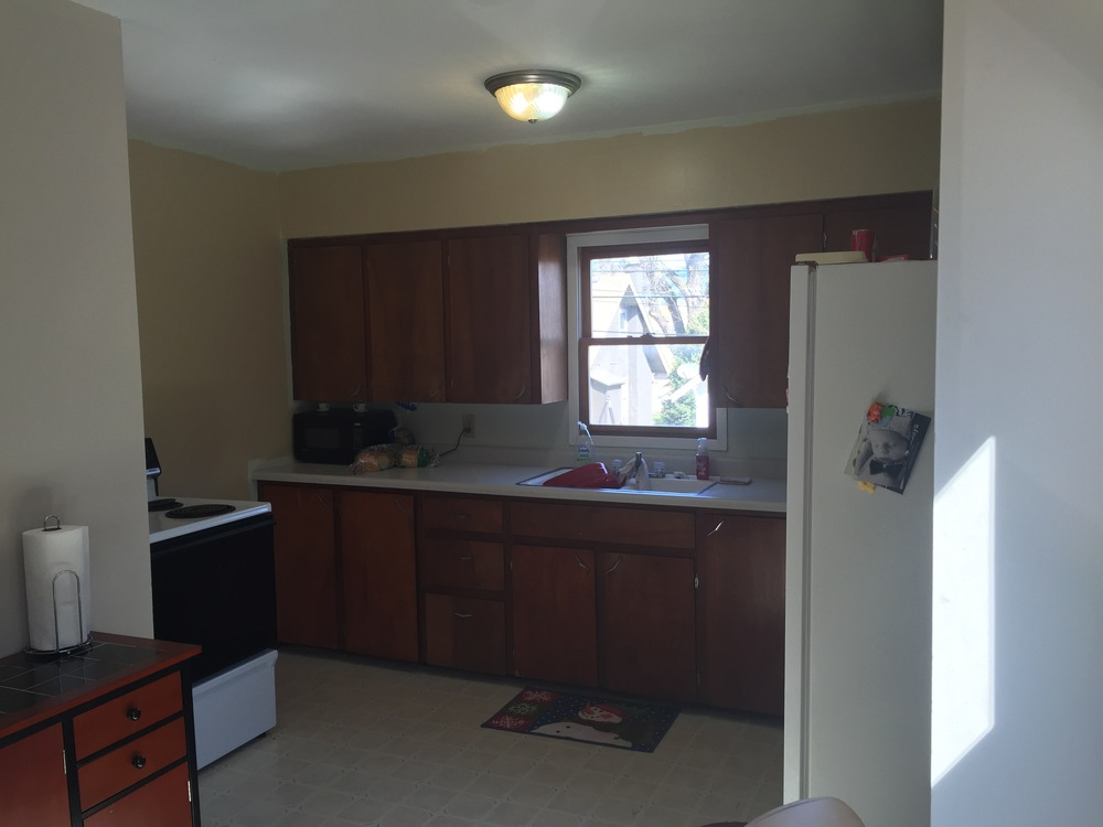 M Pettipoole – Mayberry Rental Kitchen Before