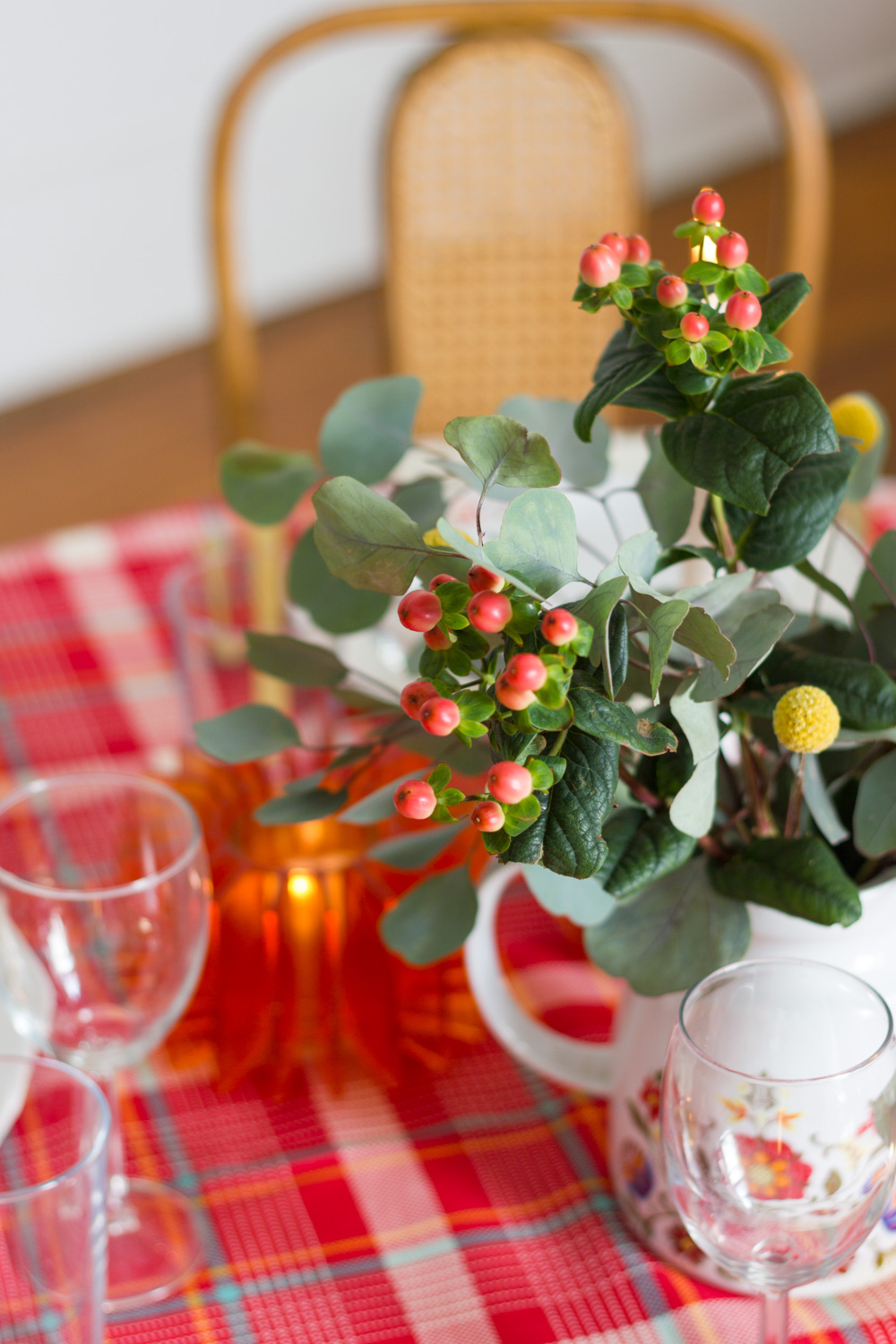 Plaid Thanksgiving Table Setting