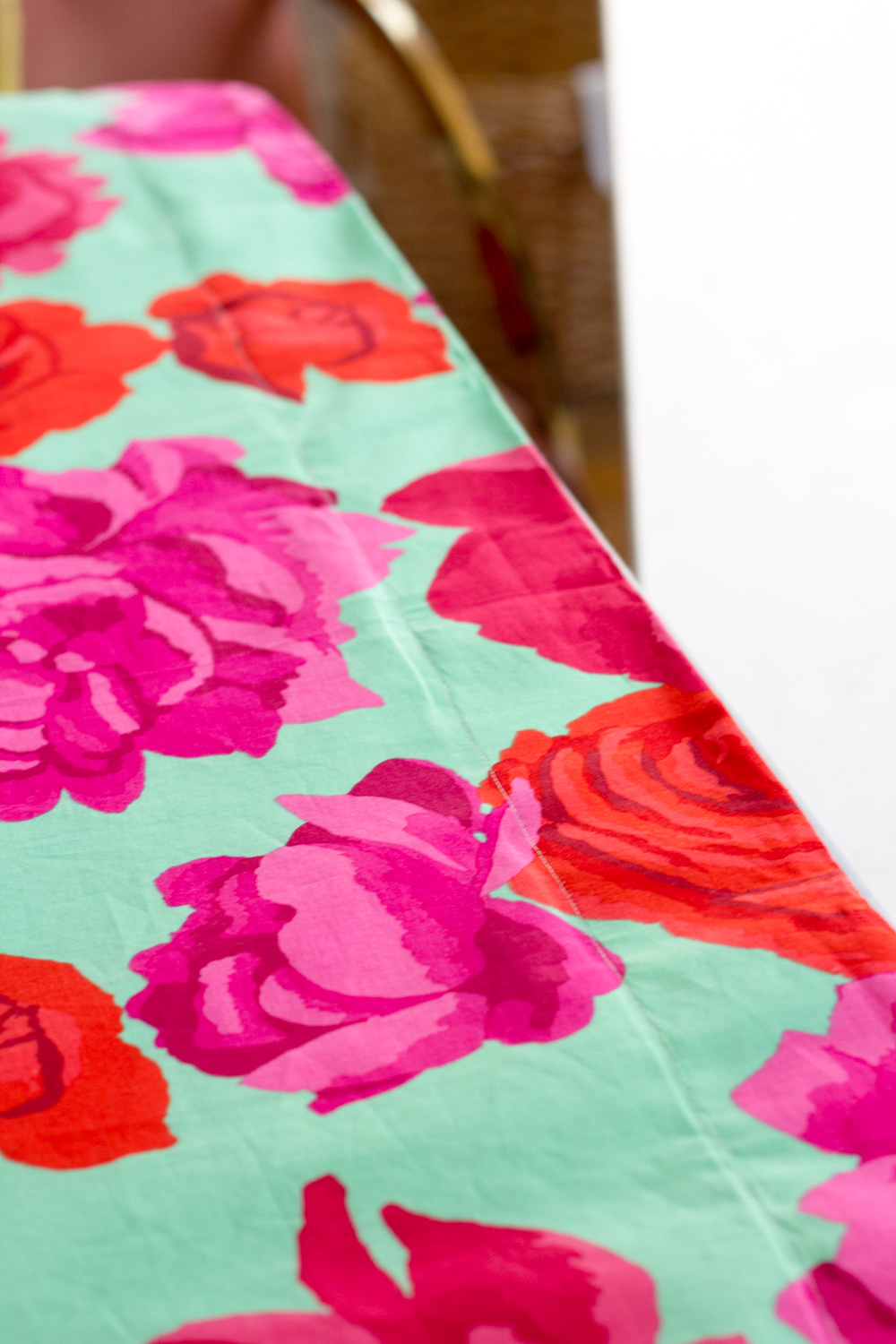 Roses nursery curtain DIY