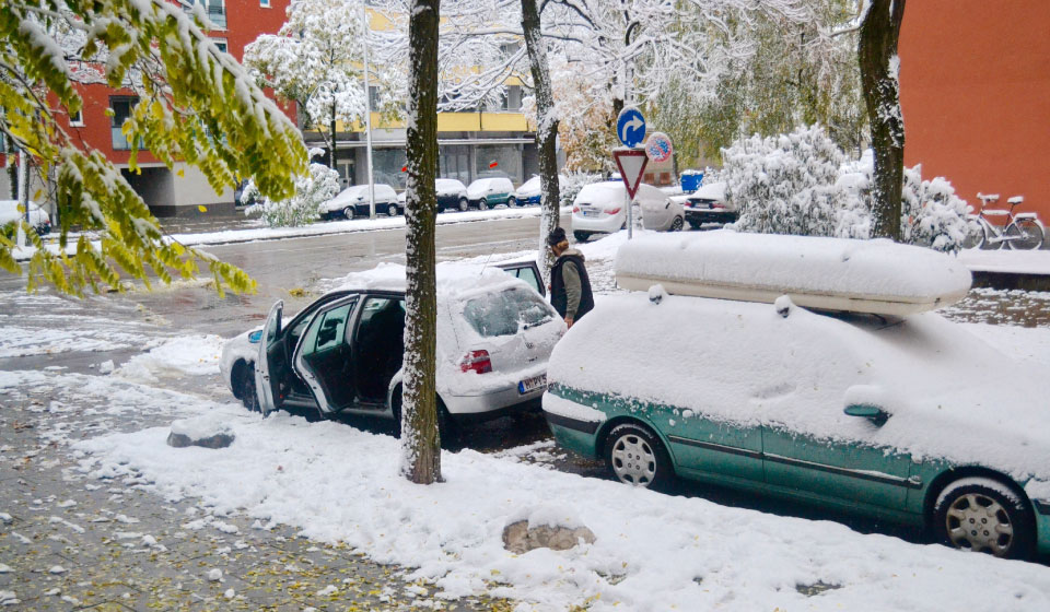 Cars covered with snow! Snow in fall in Munich, Germany. Image©gunjanvirk