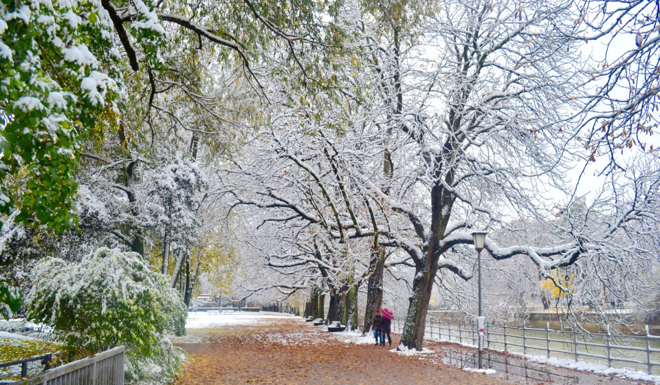 A walk along the Isar river in snow, Munich, Germany. Image©gunjanvirk