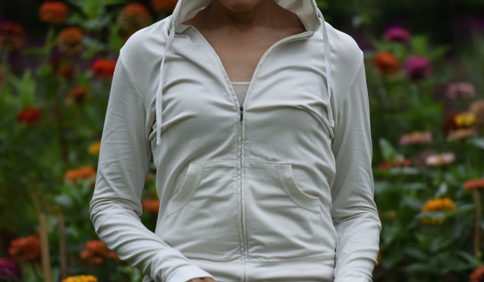 My Patagonia Graviti Hoody in tencel/organic cotton is perfect for spring and summer! Image©gunjanvirk