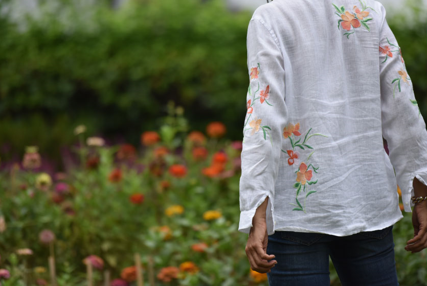 My beautifully embroidered JJill linen big shirt and Jjill jeans! Image©gunjanvirk