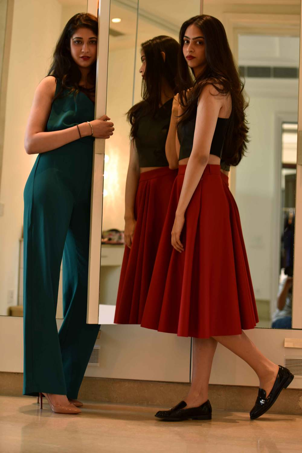 The jumpsuit and the full skirt are trend this fall! Image©gunjanvirk