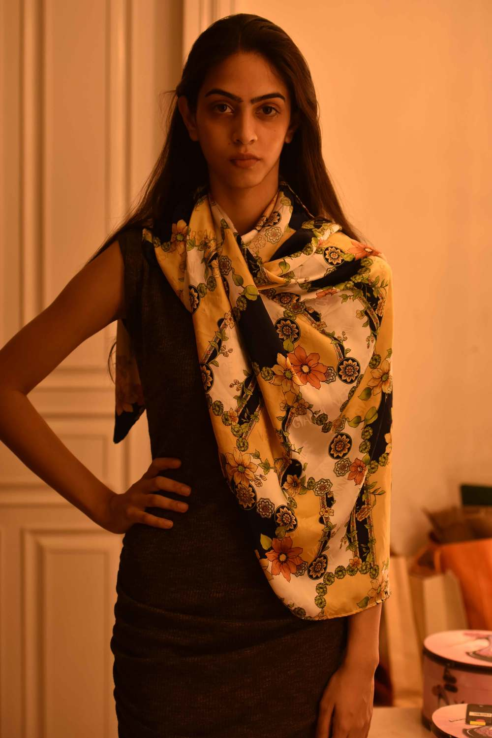 Throw the scarf on your shoulder:) Versace scarf, model: Mannat Dhaliwal, image©gunjanvirk.