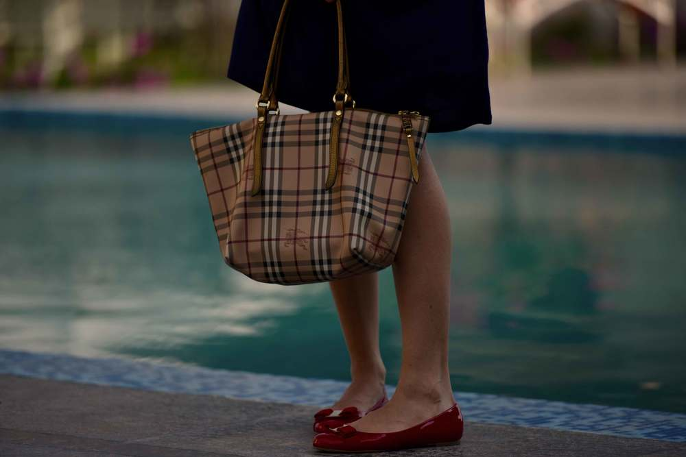 The perfect three: My friend Mannat in a Zara dress, Burberry tote and Ferragamo ballet flats. Image©gunjanvirk