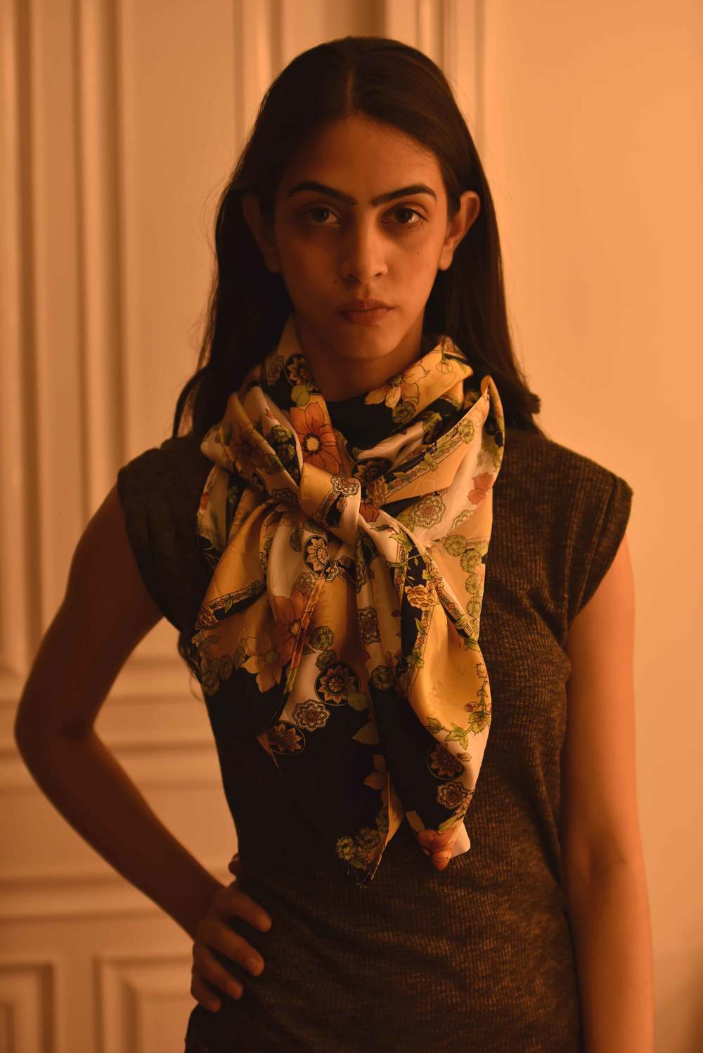 A basic sheath dress with a Versace scarf. Model: Mannat Dhaliwal, Image©sourcingstyle.com