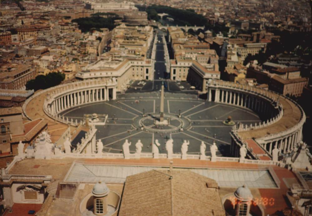 View of the Vatican city from Saint Peter's Basilica's Dome. Image©sourcingstyle.com