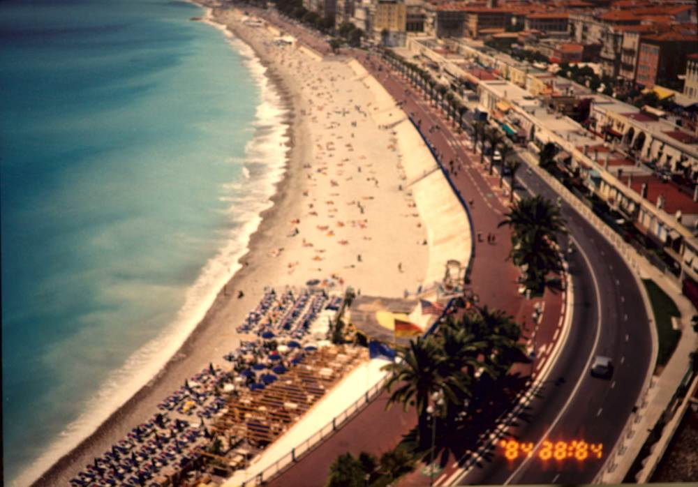 The beach at Nice, South France, French Riviera, image©sourcingstyle.com.