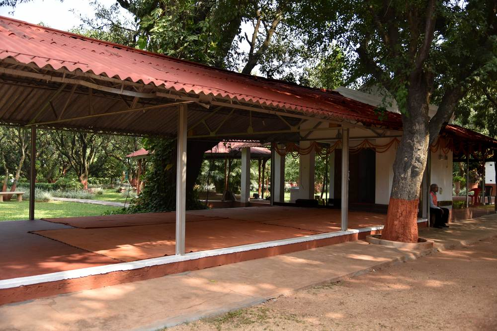 The Shiva temple, YSS ashram, Ranchi. Image©sourcingstyle.com.