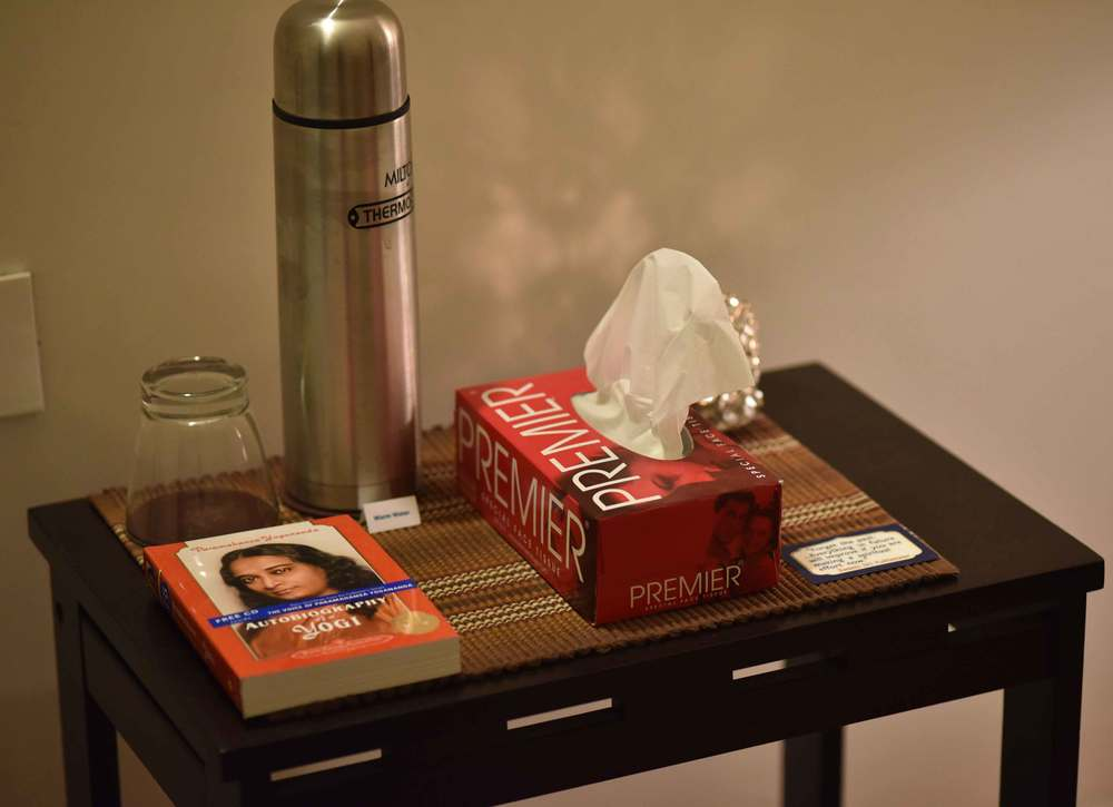 An organized bedside table. Image©gunjanvirk