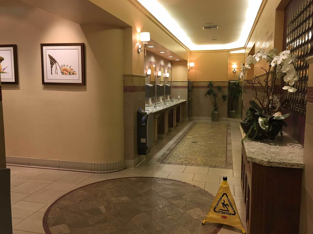 Nice, clean restrooms at the Citadel Outlets, CA, USA. Image©gunjanvirk