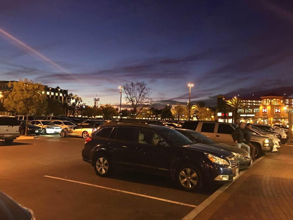 And the day comes to an end! 1,000 free parking spaces in the Parking lot, Citadel Outlets, LA, CA, USA. Image©gunjanvirk