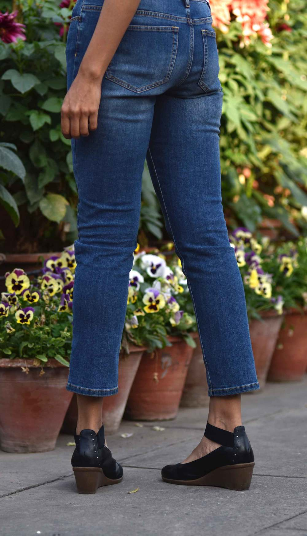 The JJill Authentic Fit Slim Ankle Jeans are comfy and nice! Image©gunjanvirk
