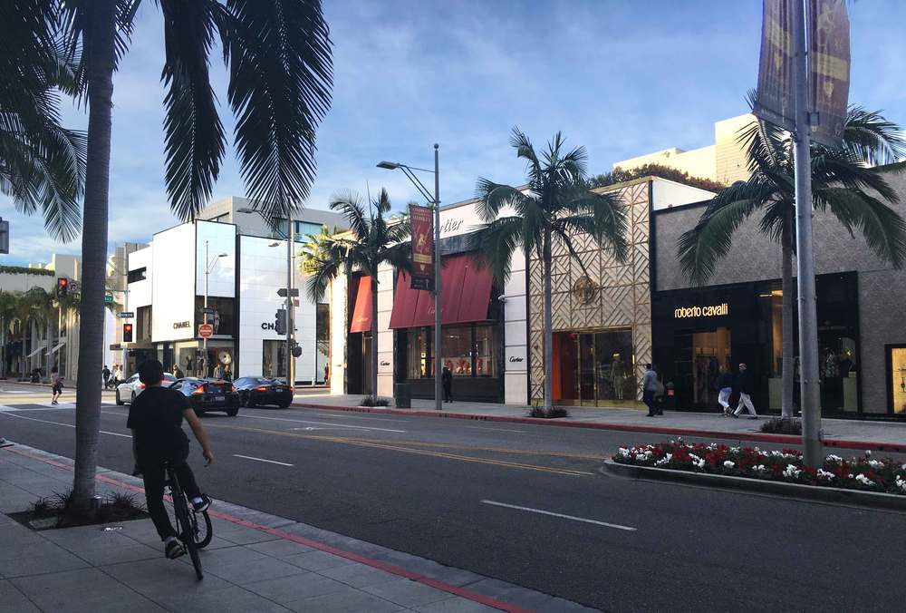 Tory Burch next to Roberto Cavalli. Rodeo Drive, Beverly Hills, L.A. Image©gunjanvirk
