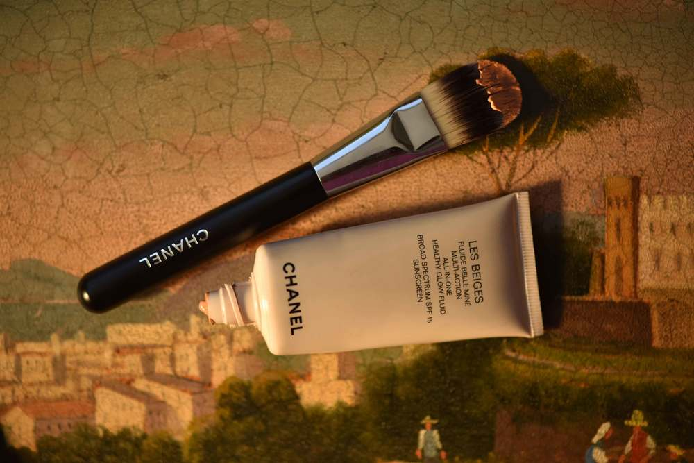 The Chanel Foundation Brush no.6, the Chanel Les Beiges All-In-One Healthy Glow Fluid. Image©gunjanvirk