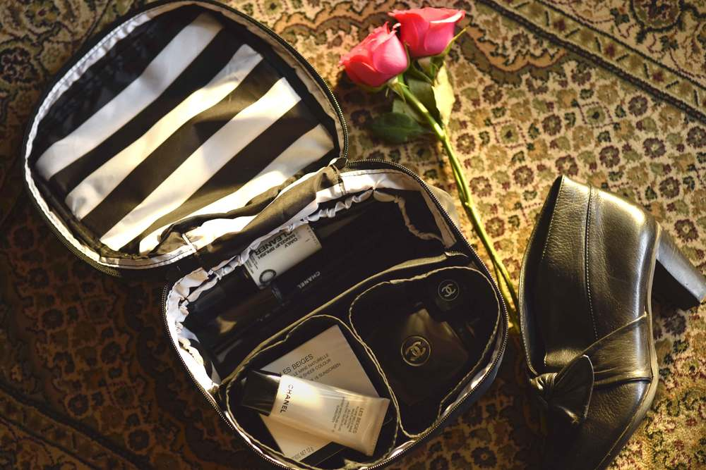 Sephora zippered cosmetics bag, make-up bag with compartments for ideal storage. Image©gunjanvirk