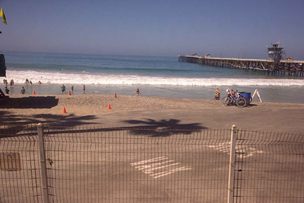A California beach day. Encinitas to L.A. by train. Image©gunjanvirk