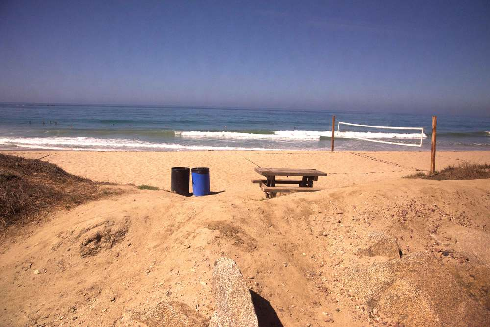 A throwball net waiting for people to play at the beach! Encinitas to L.A. by train. Image©gunjanvirk