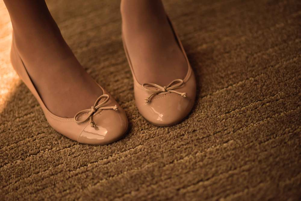 Nude color Cole Haan sandals. Image©sourcingstyle.com
