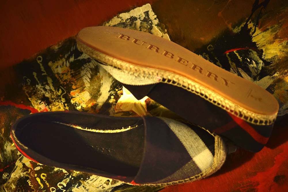 The Burberry espadrilles. Image©sourcingstyle.com