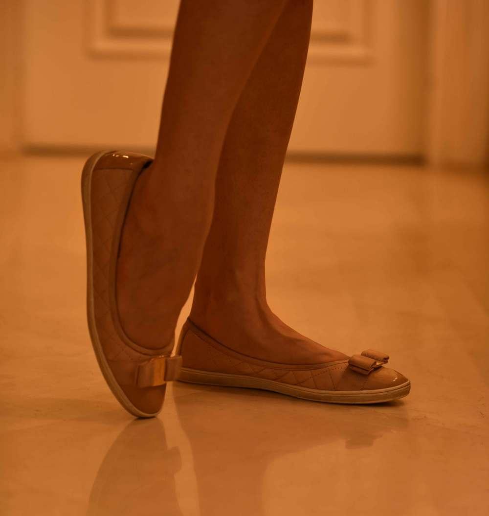 Ferragamo nude ballet flats. Image©sourcingstyle.com