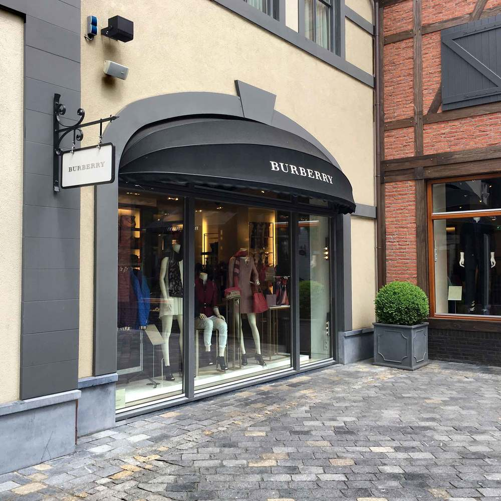Burberry, Designer Outlet Roermond, Netherlands. Photo: Gunjan Virk, image©sourcingstyle.com