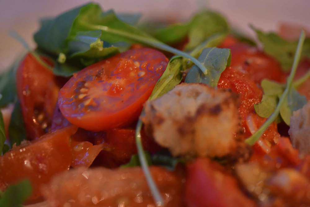 Tomato salad, Jamie's Kitchen, London. Image©sourcingstyle.com