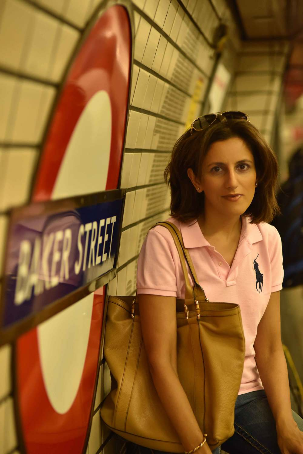 Ralph Lauren skinny polo tee, Baker Street underground station, London. Image©sourcingstyle.com