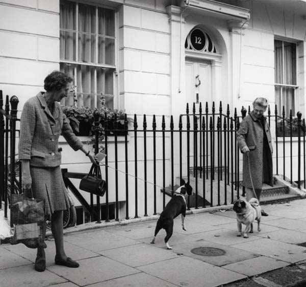 South Kensington_copyright ∏ Dorothy Bohm