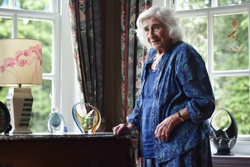 Photographer Dorothy Bohm at her Hampstead home, London. Image©sourcingstyle.com