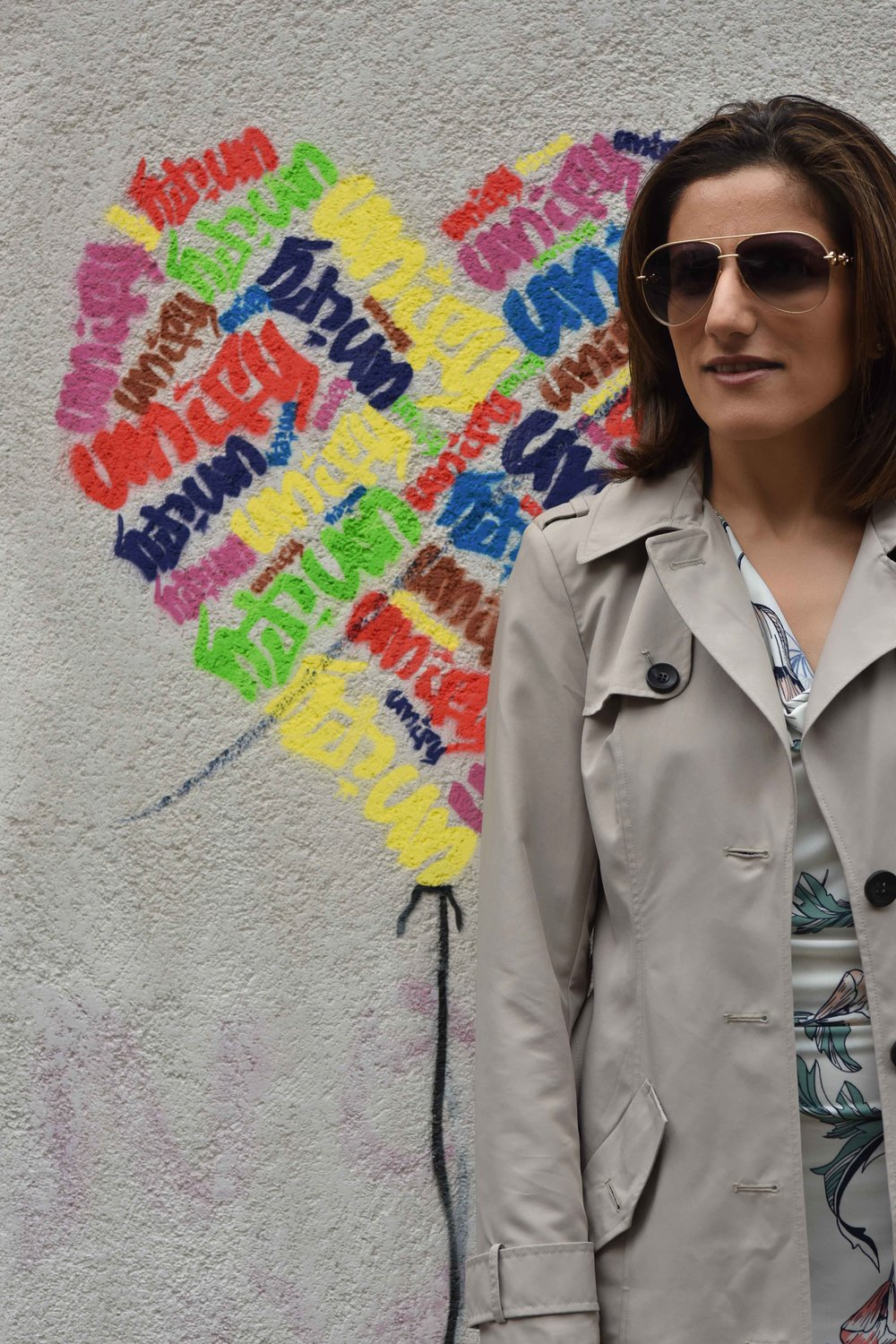 Marks and Spencer shift dress, Marks and Spencer trench, Gucci sunglasses, street fashion, street art, Shoreditch, London, U.K. Photo: Nina Shaw, Image©sourcingstyle.com