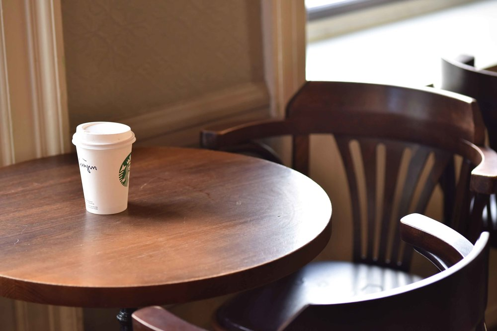 First floor seating, Starbucks, Royal Mile, Old Town, Edinburgh, Scotland. Image©sourcingstyle.com