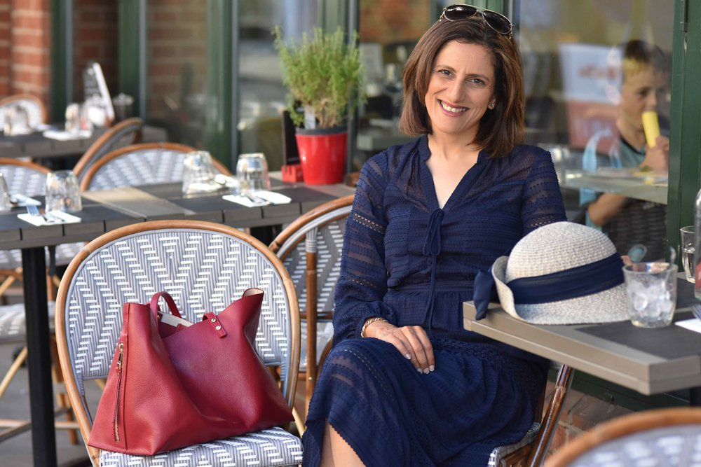 Henley on Thames, Karen Millen dress, red Chloé tote bag, Marks & Spencer hat. Image©sourcingstyle.com