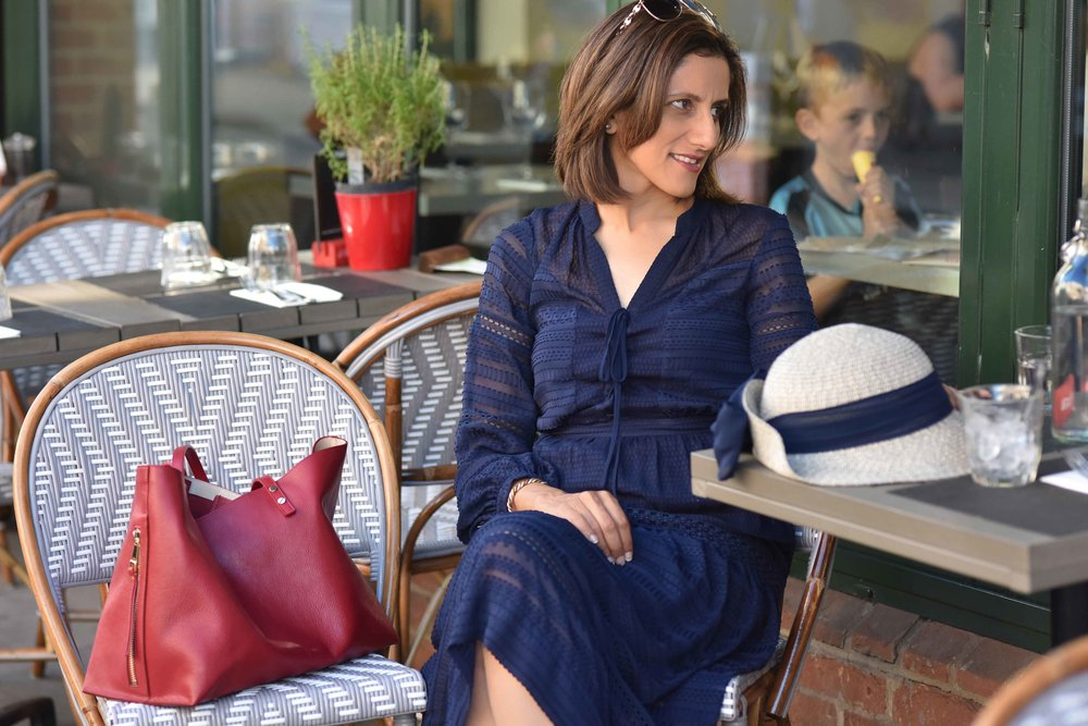 Henley on Thames, Karen Millen dress, red Chloé tote bag, Marks and Spencer hat. Image©sourcingstyle.com