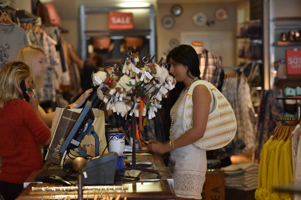 Shopping at White Stuff, Dior bag, ASOS dress, pearl necklace, Ruchi Goenka, makeup artist, UK. Image@sourcingstyle.com