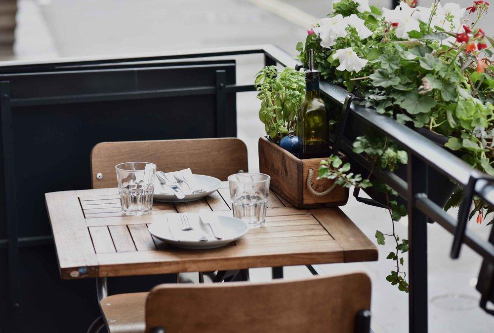 Lunch at Real Greek restaurant, London. Image©sourcingstyle.com