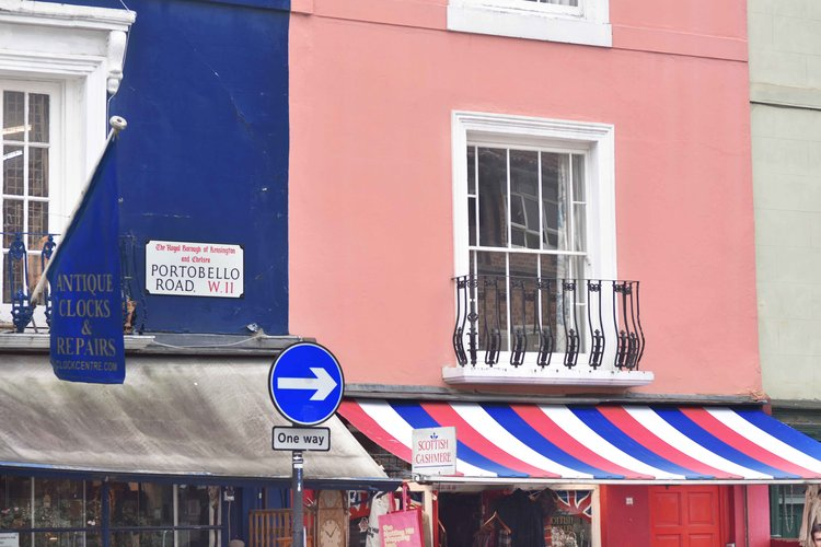 Notting Hill, Portobello Road, London. Image©sourcingstyle.com