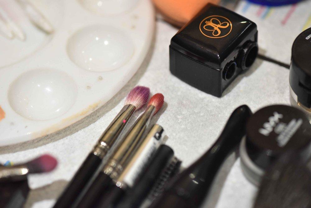 Eye makeup brushes. Image©sourcingstyle.com