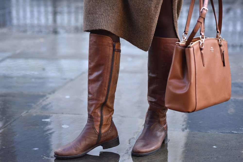 Marks & Spencer sweater dress, Coach handbag, Italian boots. Photo: Alizeh Latif. Image©sourcingstyle.com.