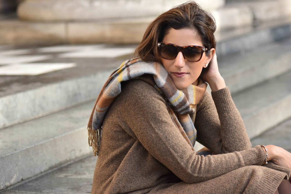 Marks & Spencer sweater dress, Marks & Spencer plaid scarf, Gucci sunglasses. Photo: Alizeh Latif. Image©sourcingstyle.com.