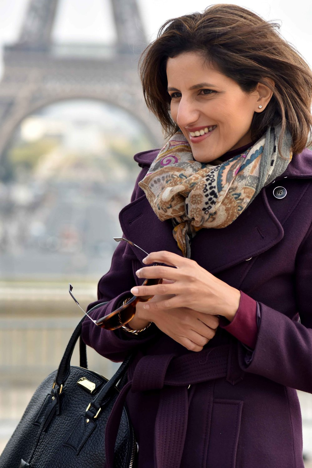 Karen Millen fall winter coat, Burberry bag, Gucci sunglasses, Eiffel Tower, Paris. Image©sourcingstyle.com