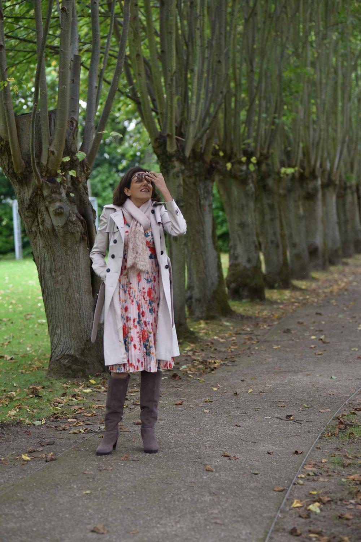 Karen Millen trench coat, Karen Millen floral dress, Karen Millen boots, Coworth Park Hotel, Ascot, U.K. Image©sourcingstyle.com