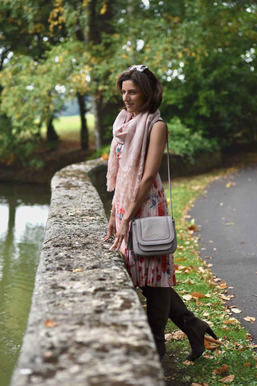 Karen Millen floral dress, Karen Millen boots, Kate Spade bag, Coworth Park Hotel, Ascot, U.K. Image©sourcingstyle.com