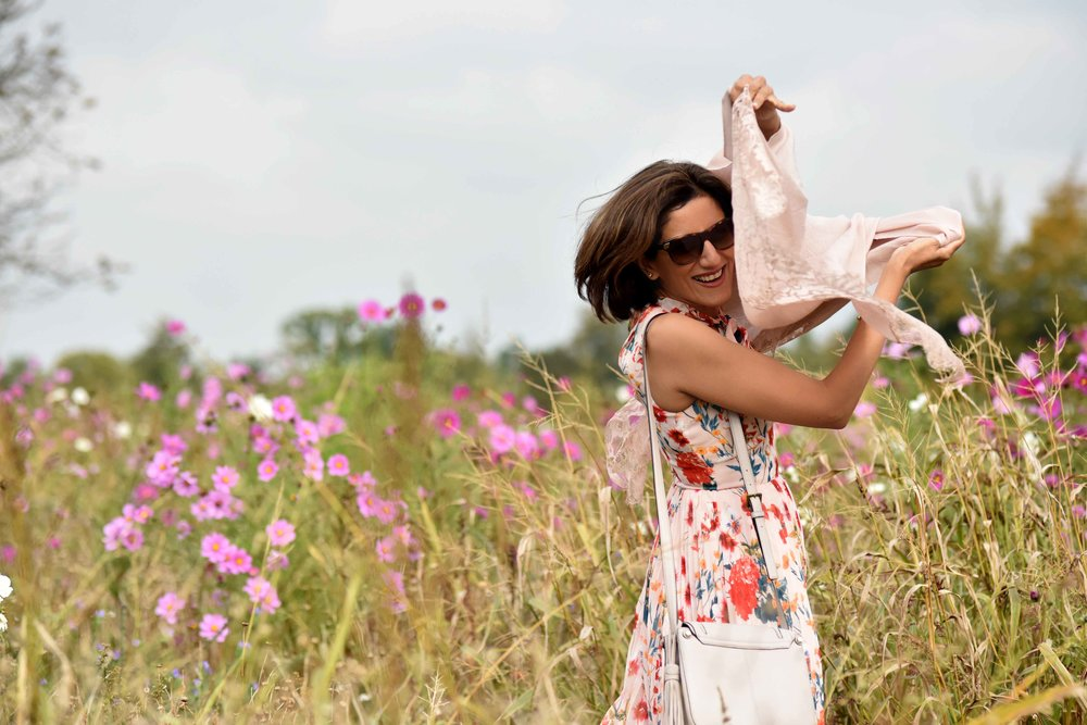 Karen Millen floral summer dress, Kate Spade bag, flower fields, Coworth Park hotel, Ascot. Image©sourcingstyle.com