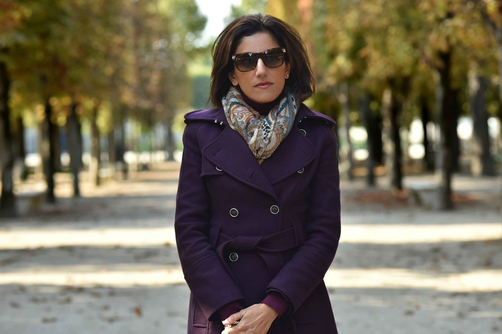 Karen Millen fall winter coat, Gucci sunglasses, Hallhuber scarf. Image©sourcingstyle.com. Photo: Nina Shaw.